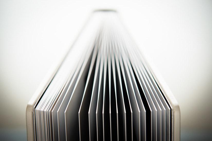 Fotografo matrimonio Torino: un album di matrimonio ha le pagine spesse perché montate su cartoncino