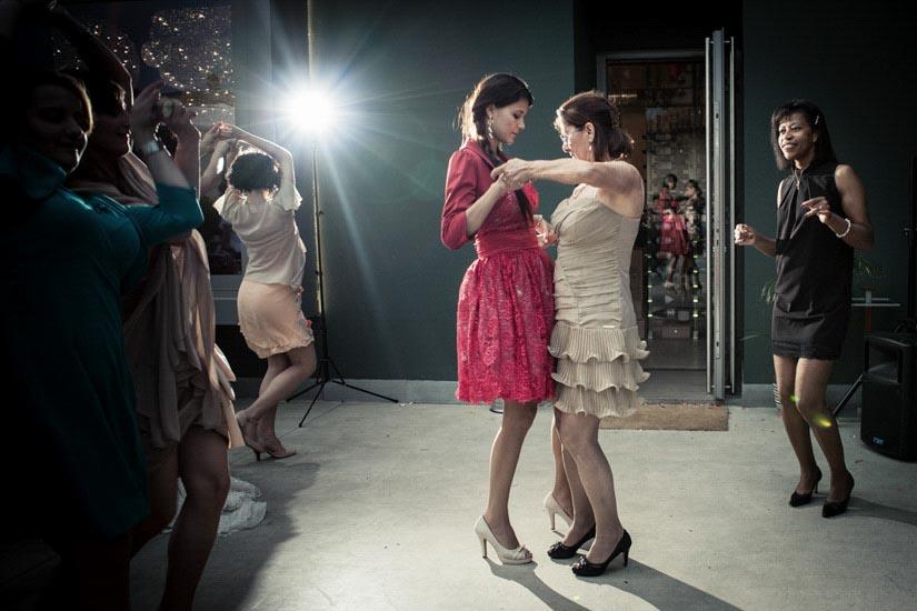 Fotografo matrimonio Torino: samba ballata dalla testimone ad Alessandria
