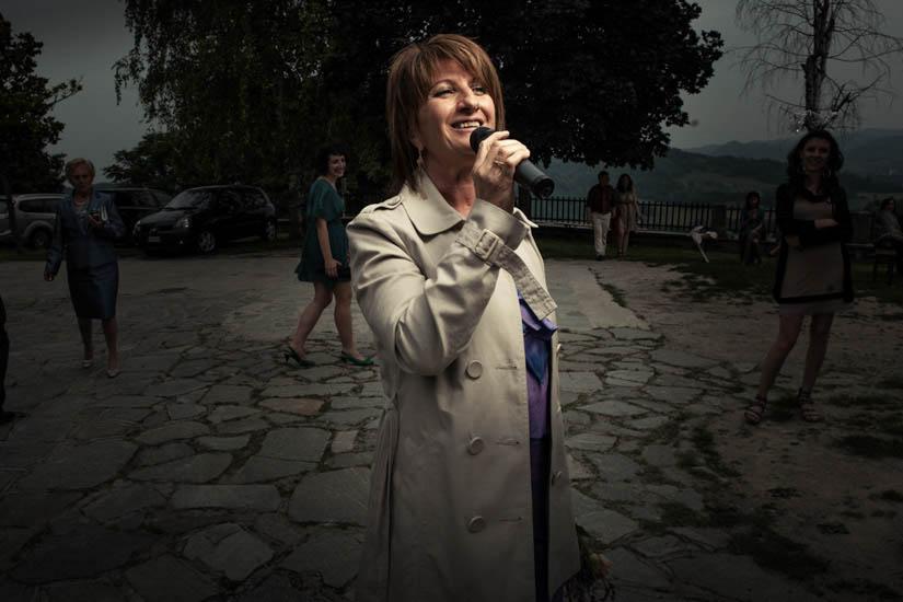 Fotografo matrimonio Torino: la cantante effettua una performance da brivido in questo matrimonio a Torino