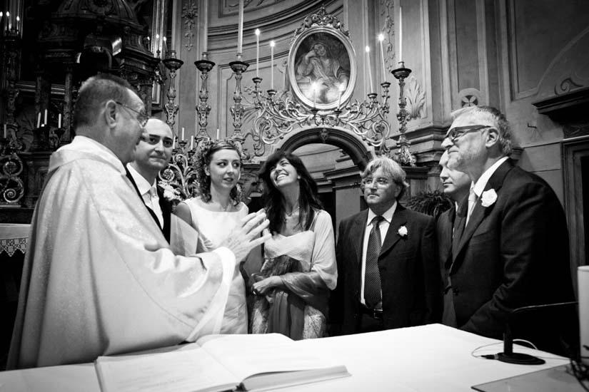 Fotografo matrimonio Torino: momenti finali della messa di matrimonio