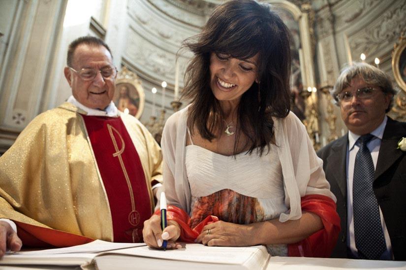Fotografo matrimonio Torino: il momento delle firme di un matrimonio a Pecetto