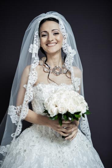 Un matrimonio a Torino con una sposa sorridente