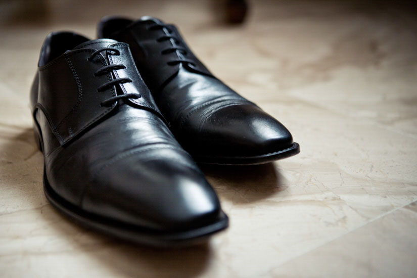 Fotografo matrimonio Torino: un matrimonio elegante a Torino parte dalle scarpe