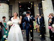 Matrimonio a Torino - Il lancio del riso fotografato da DOTScollective - fotografi di matrimonio a Torino
