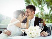 Due sposi innamorati con DOTScollective - fotografi di matrimonio a Torino